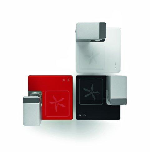 Illy Y1 de tres colores negro, blanco y rojo