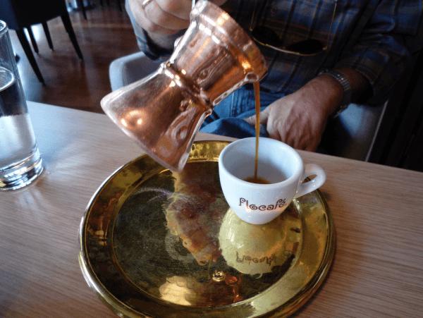 Cómo se sirve el café turco