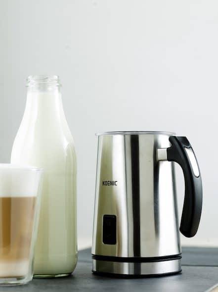 Fotografía de un espumador de leche Koenic