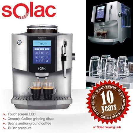 Anuncio promocional de una cafetera automática Solac