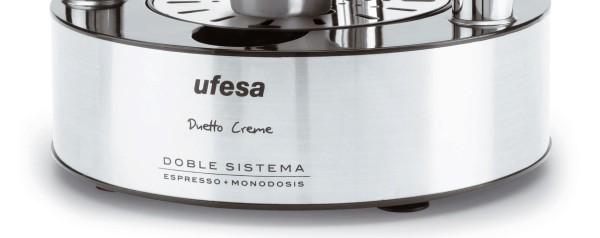 Primer plano de la base de la cafetera Ufesa CE7150