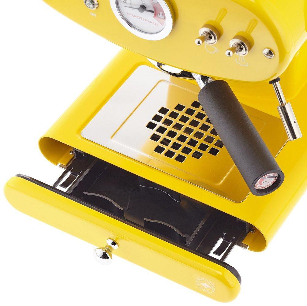 Vista superior de la cafetera Illy X1 Molido de color amarillo
