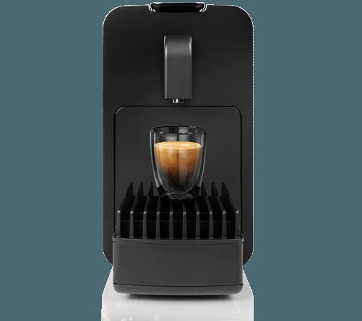 Vista frontal de la cafetera Cremesso Viva de color negro