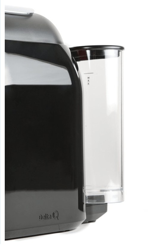 Cafetera Delta Qool Evolution negra: depósito de agua