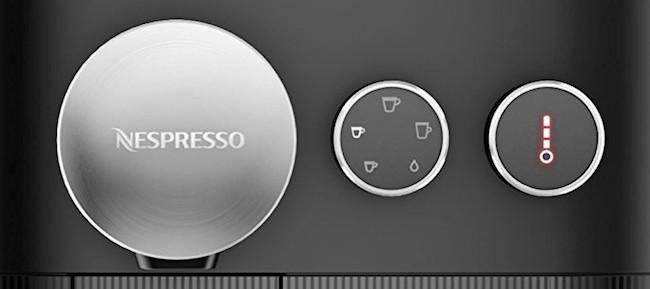 Foto del panel de control de la Nespresso Expert