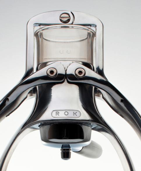 Detalle del filtro de la cafetera Rok Espresso