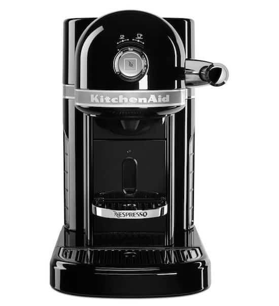 Foto de la cafetera KitchenAid Nespresso de color negro
