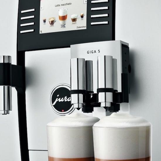 Foto del panel de control de la cafetera Jura Giga 5