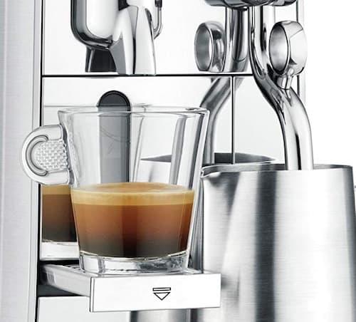 Detalle de la cafetera Nespresso Creatista - Comprar online en Amazon