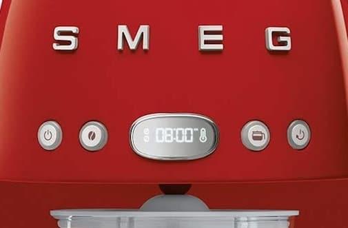 Panel de control de la cafetera de goteo Smeg DCF