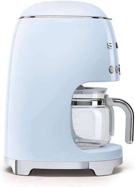 cafetera de filtro Smeg de color azul