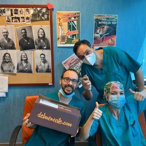 El personal sanitario de Madrid con su merecidísimo café