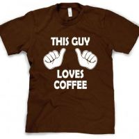 Camiseta This Guy Loves Coffee